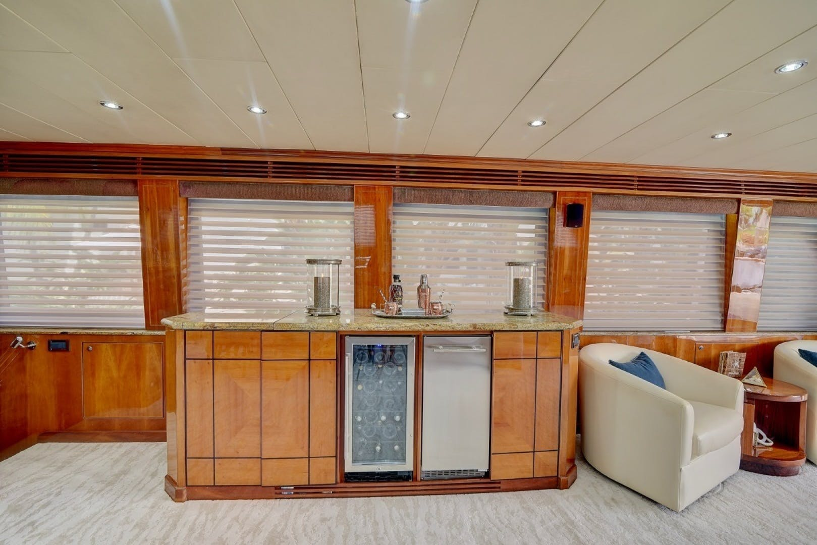 2001 Hargrave 94' Enclosed Bridge Skylounge Done Deal | Picture 5 of 70