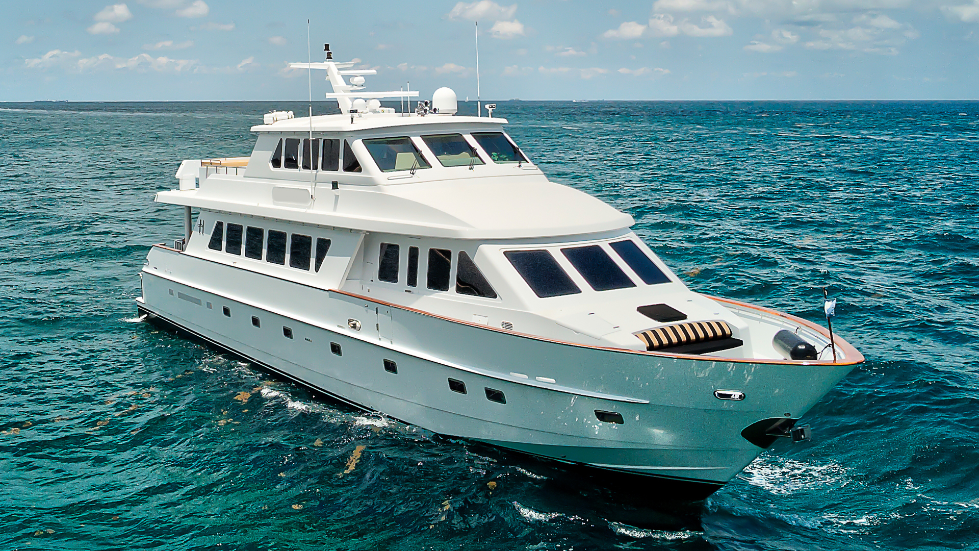"2001 Hargrave 94' Enclosed Bridge Skylounge ""Done Deal"""