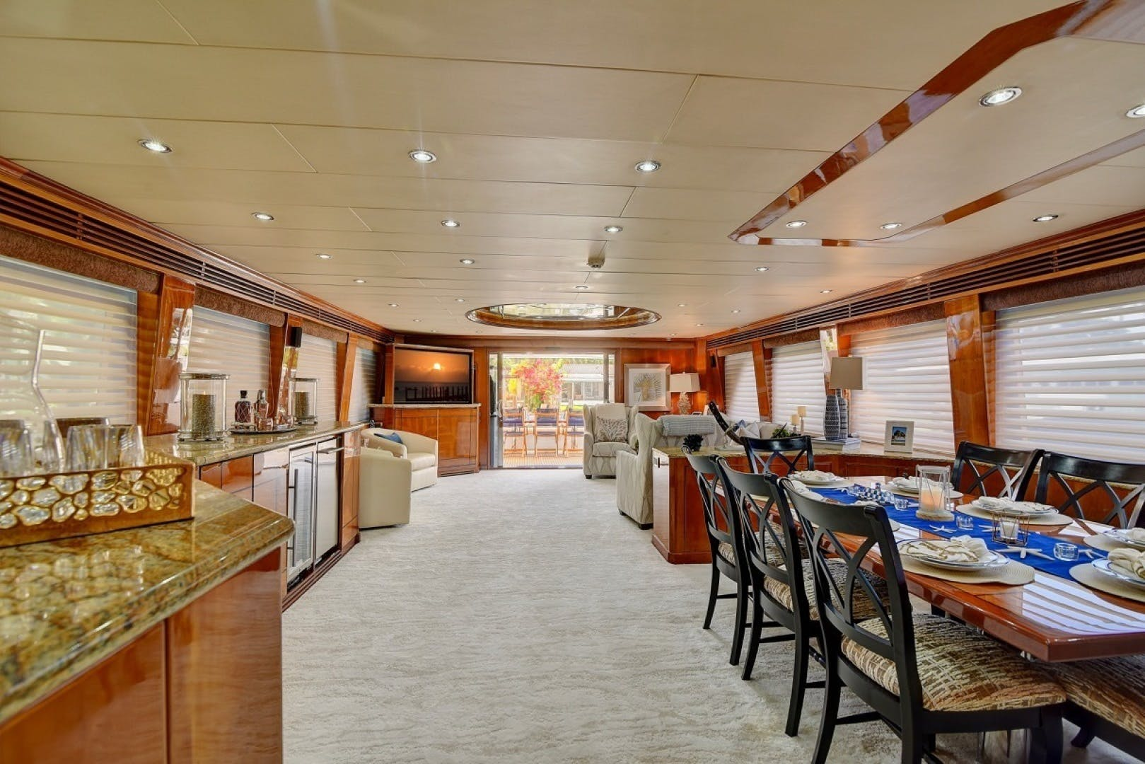 2001 Hargrave 94' Enclosed Bridge Skylounge Done Deal | Picture 6 of 70