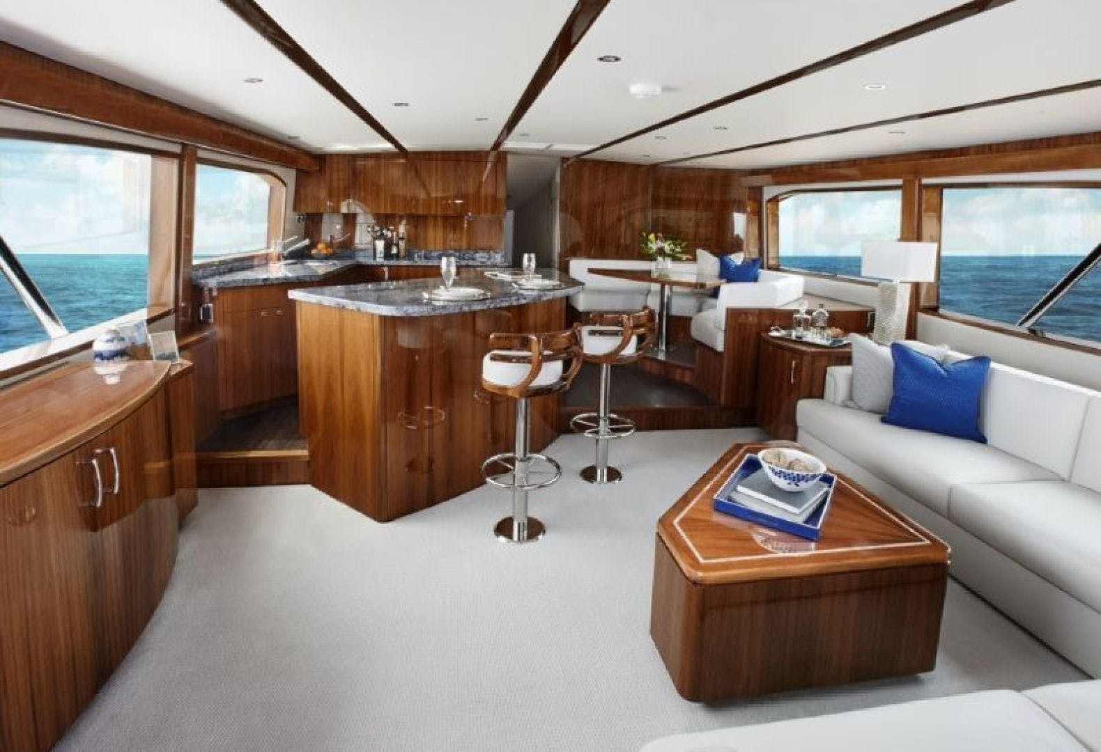 2021 Hatteras 70' GT70 GT70 | Picture 2 of 7