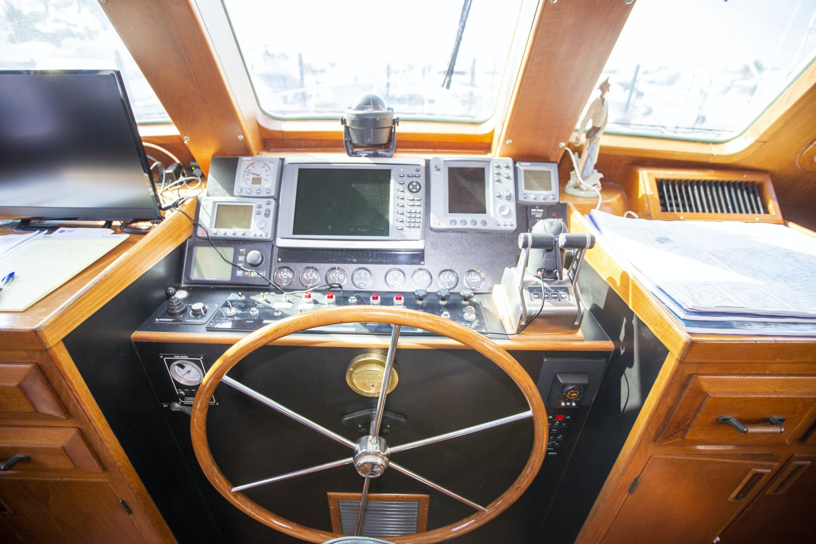 1987 DeFever 60' Cockpit LRC Wanderer | Picture 8 of 74