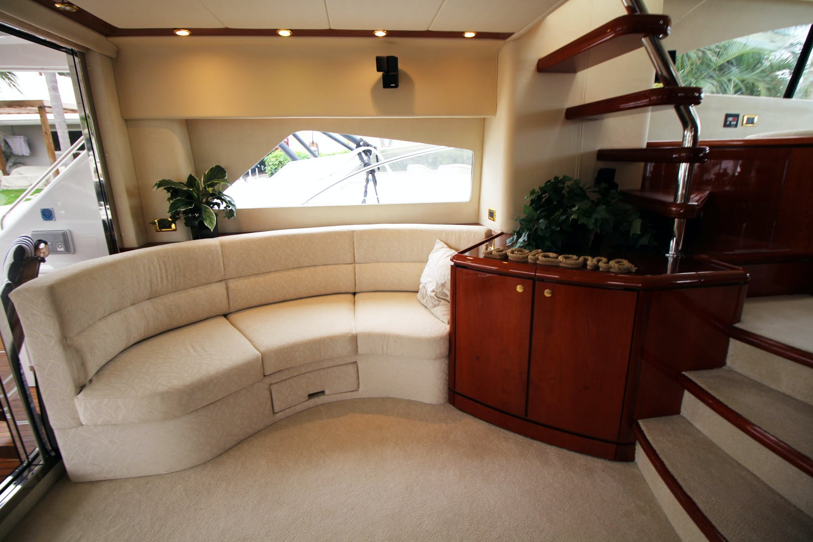 2000 Fairline 65' Squadron 65 Velocity | Picture 6 of 44