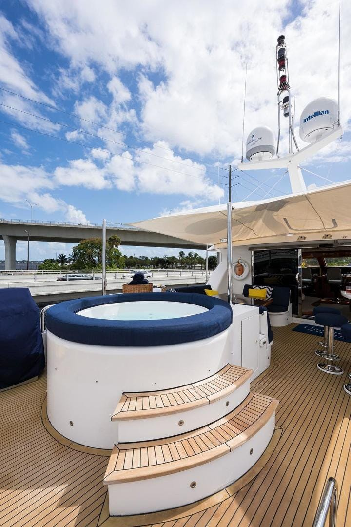2005 Hargrave 96' Skylounge Ossum Dream | Picture 1 of 51