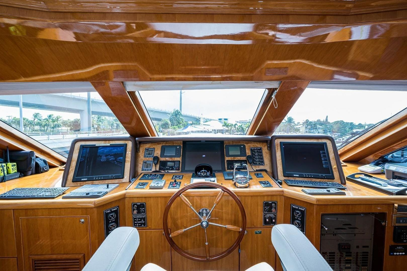 2005 Hargrave 96' Skylounge Ossum Dream | Picture 5 of 51