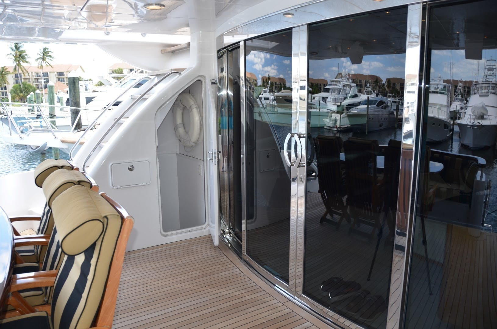 2004 Hatteras 80' Motor Yacht SEA DOZER | Picture 6 of 73