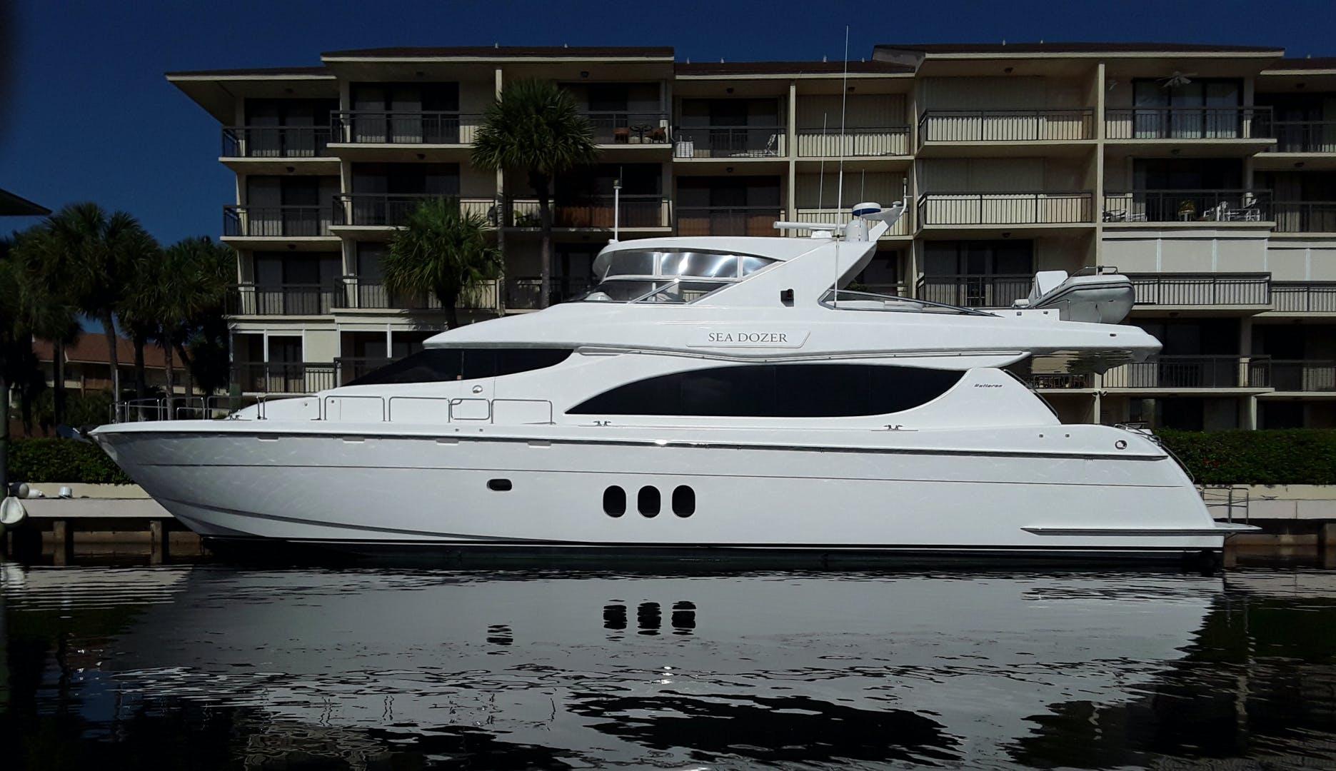2004 Hatteras 80' Motor Yacht SEA DOZER | Picture 1 of 73