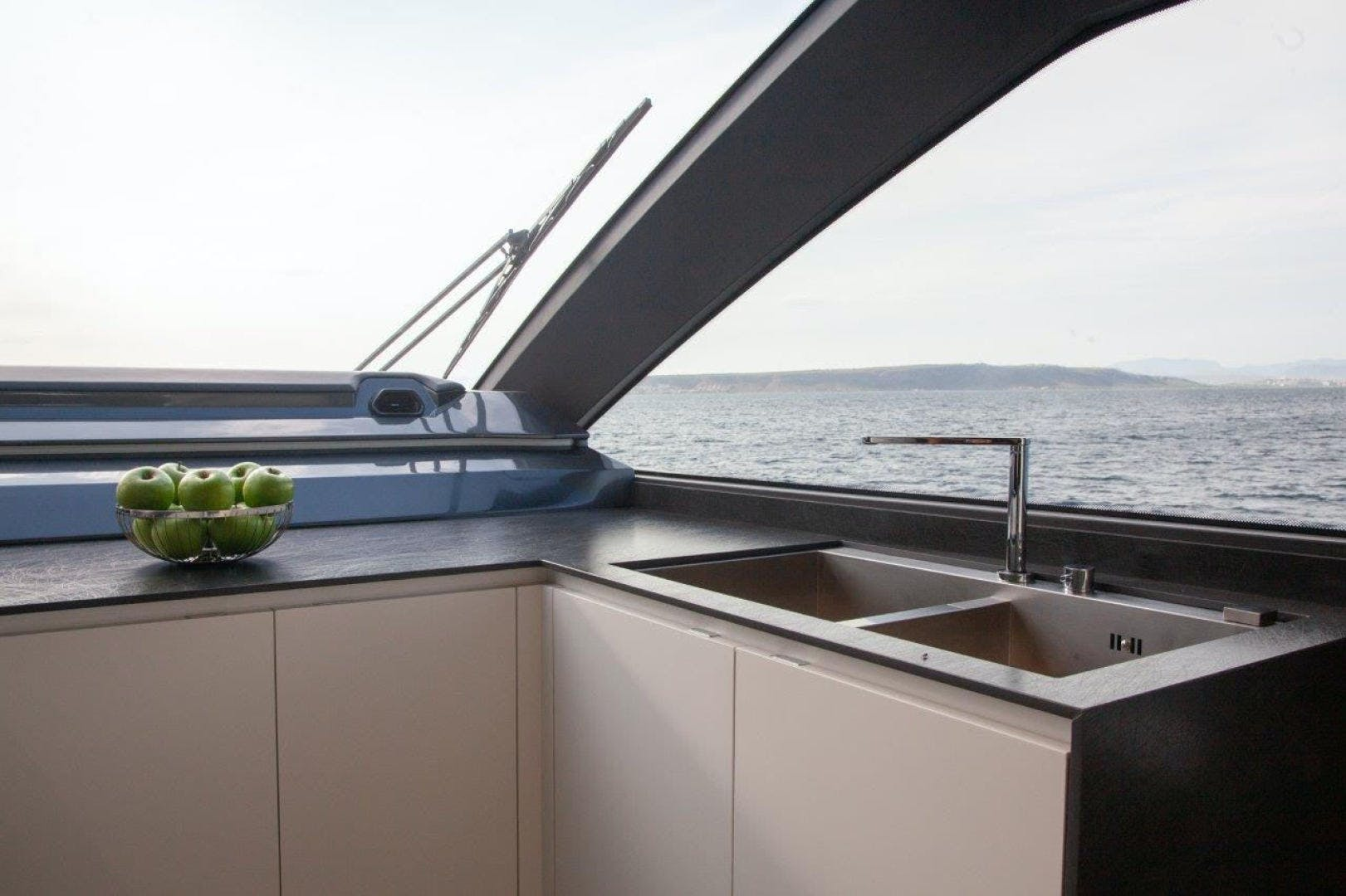 2021 Astondoa 82' AS8  | Picture 3 of 34