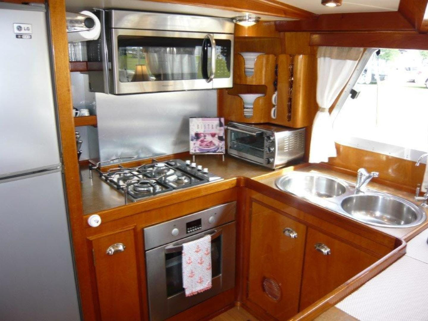 1983 Cheoy Lee 63' Pilothouse Motor Sailor Beleza | Picture 3 of 121