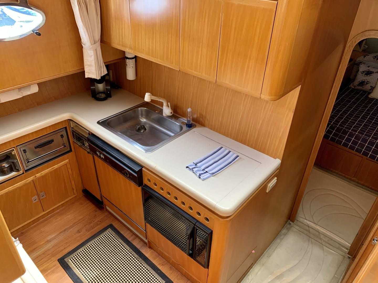 1994 Johnson 56' Pilothouse Motor Yacht Lucky Duck | Picture 6 of 51