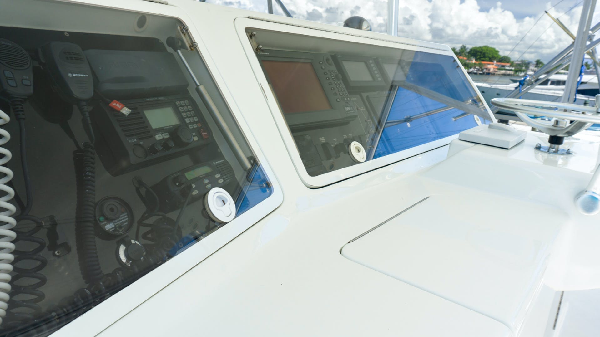 2004 Donzi 73' Convertible Reel Deal | Picture 5 of 29