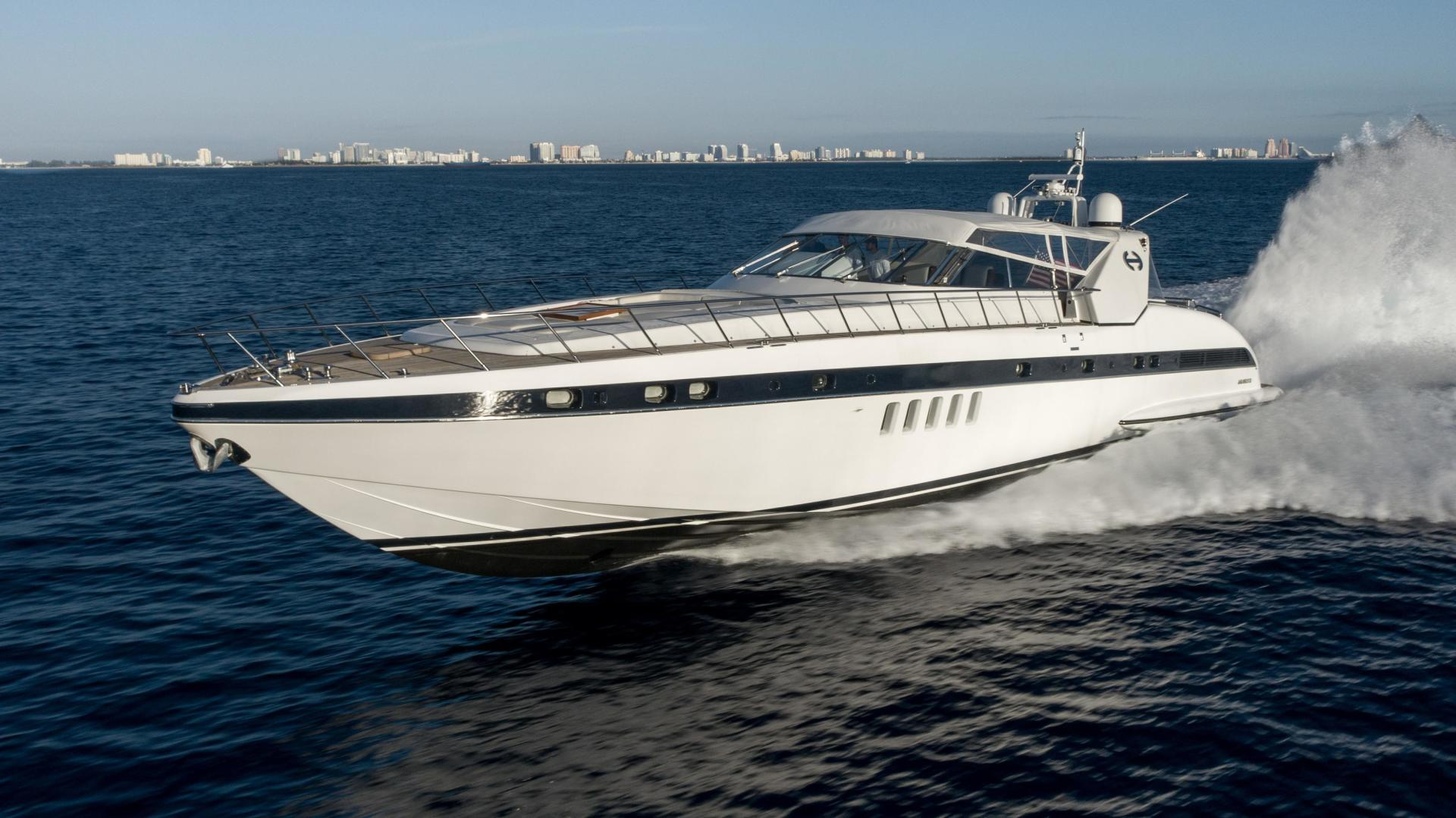 80' Mangusta 2005 80 OPen HAPPY