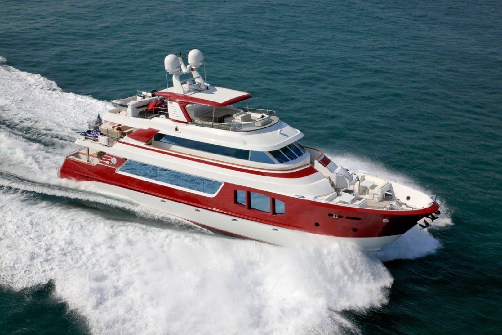 2010 MCP 100' Europa 100 RED PEARL   Picture 1 of 24