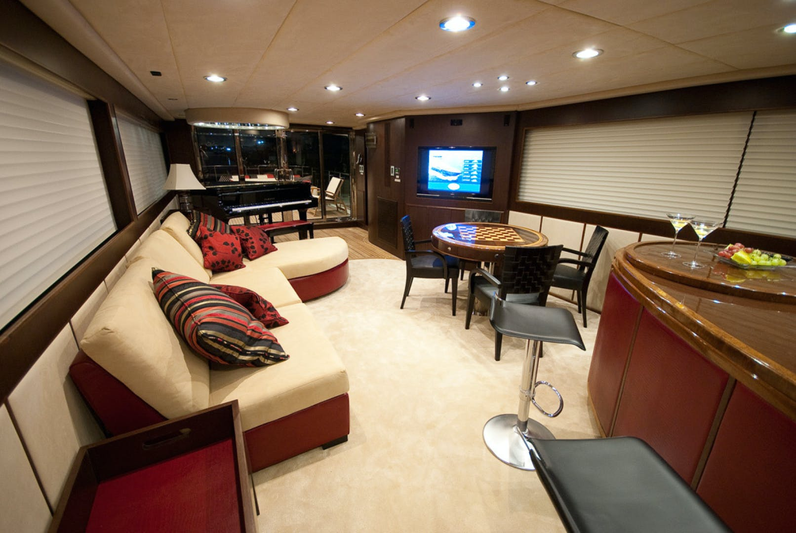 2010 MCP 100' Europa 100 RED PEARL | Picture 4 of 23