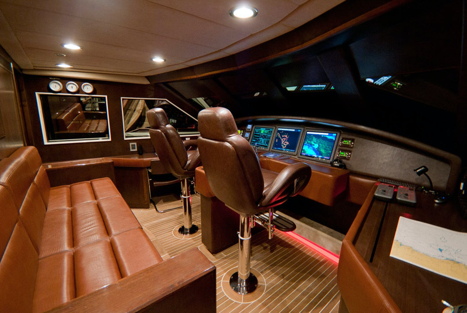 2010 MCP 100' Europa 100 RED PEARL | Picture 8 of 23