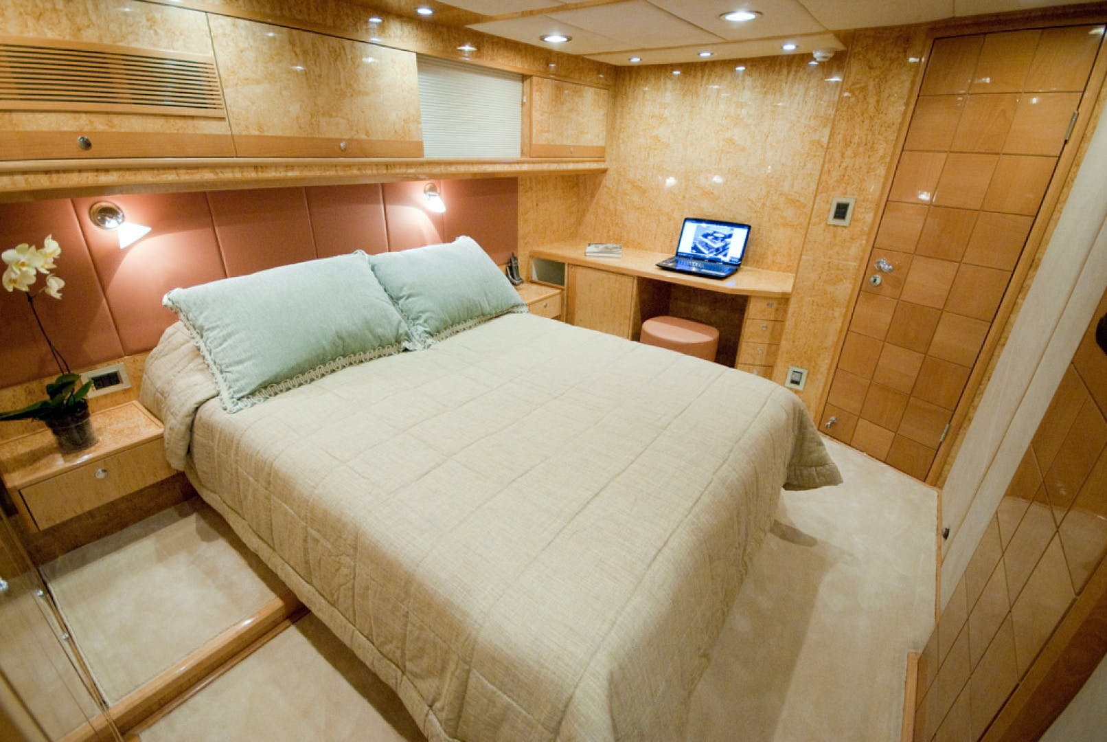 2010 MCP 100' Europa 100 RED PEARL   Picture 8 of 23