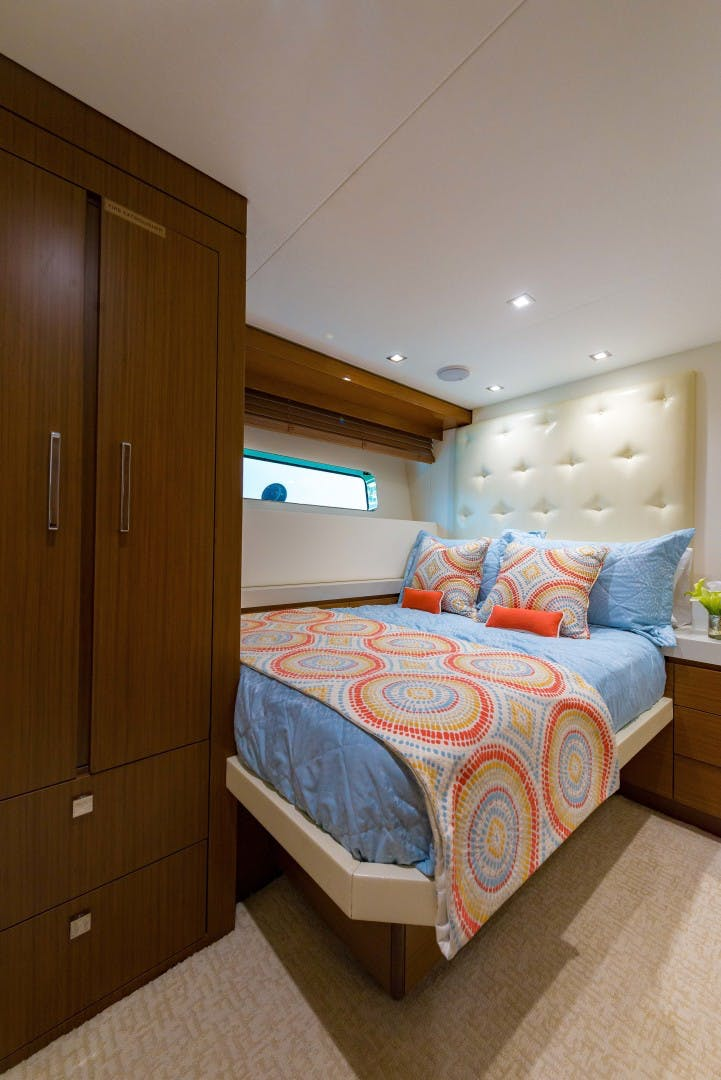 2021 Hatteras 75' M75 NEW BUILD M75 2021 M75TBD21 | Picture 4 of 32
