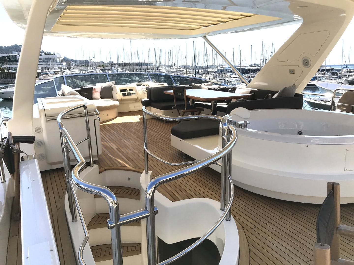 2013 Azimut 74' 78' THOR | Picture 3 of 15