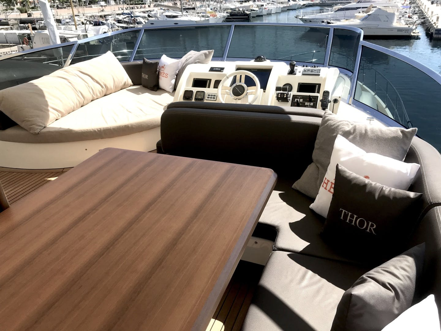 2013 Azimut 74' 78' THOR | Picture 5 of 15