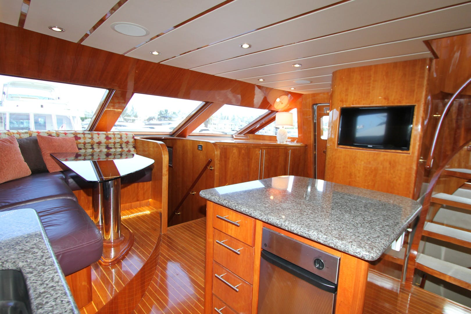 2003 Hargrave 78' Skylounge KISMET | Picture 3 of 61