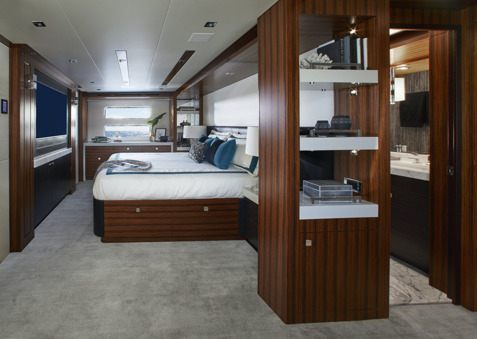 2021 Hatteras 90' M90 2021 NEW BUILD | Picture 1 of 36