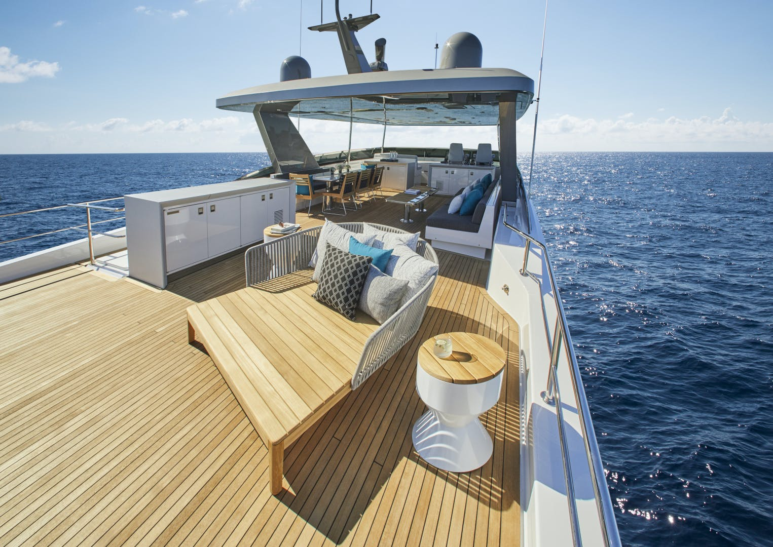 2021 Hatteras 90' M90 2021 NEW BUILD | Picture 7 of 36