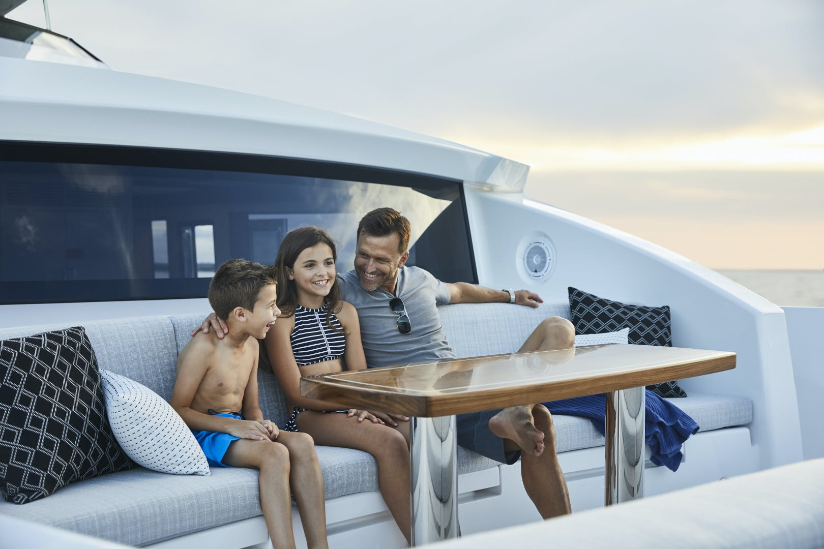 2021 Hatteras 90' M90 2021 NEW BUILD | Picture 5 of 36