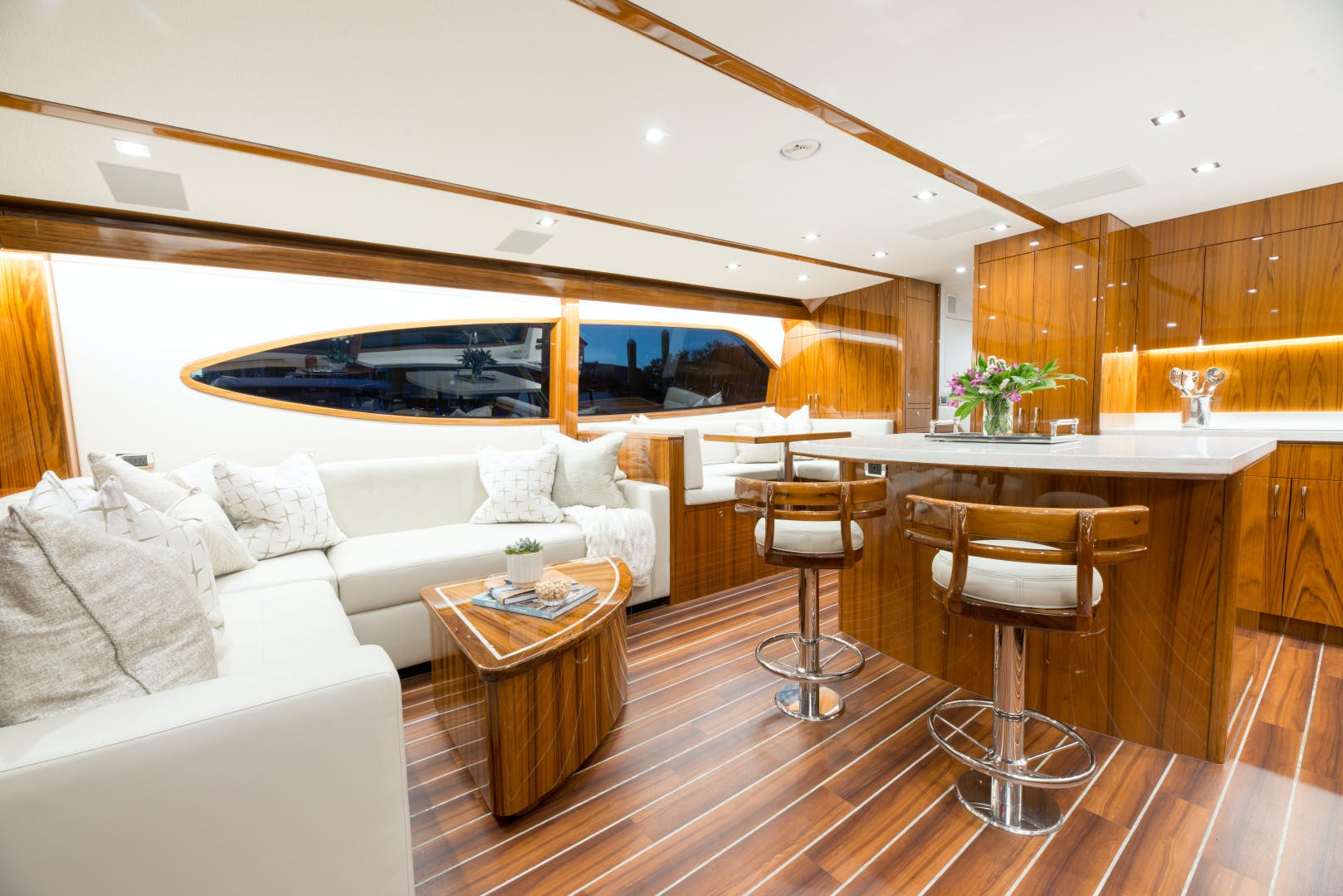 2021 Hatteras 65' GT65 New build position available  2021 GT65 | Picture 7 of 38
