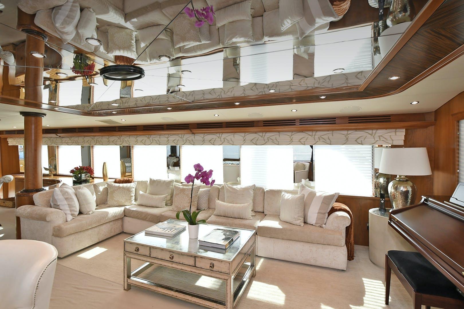 2005 Hatteras 100' 100 Motor Yacht Avanti | Picture 8 of 111