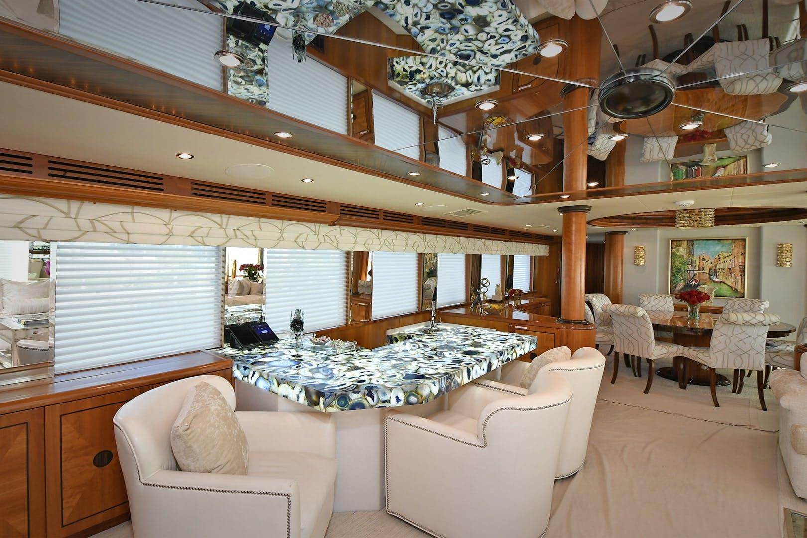 2005 Hatteras 100' 100 Motor Yacht Avanti | Picture 1 of 111