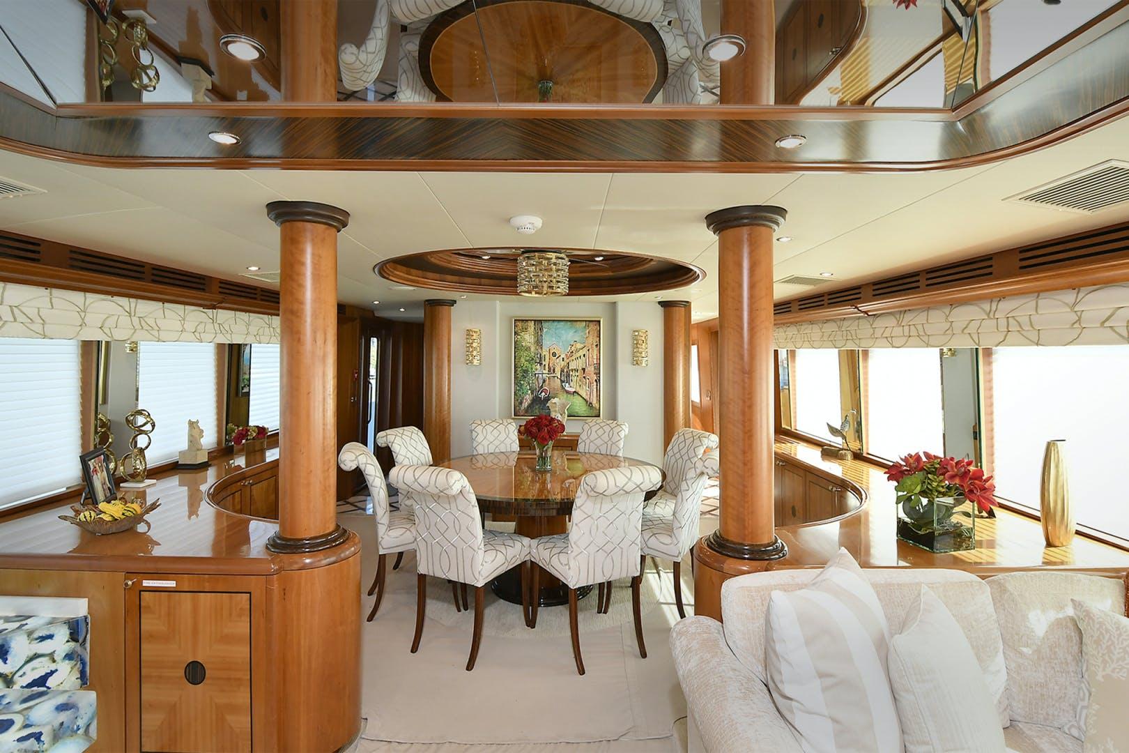 2005 Hatteras 100' 100 Motor Yacht Avanti | Picture 3 of 111