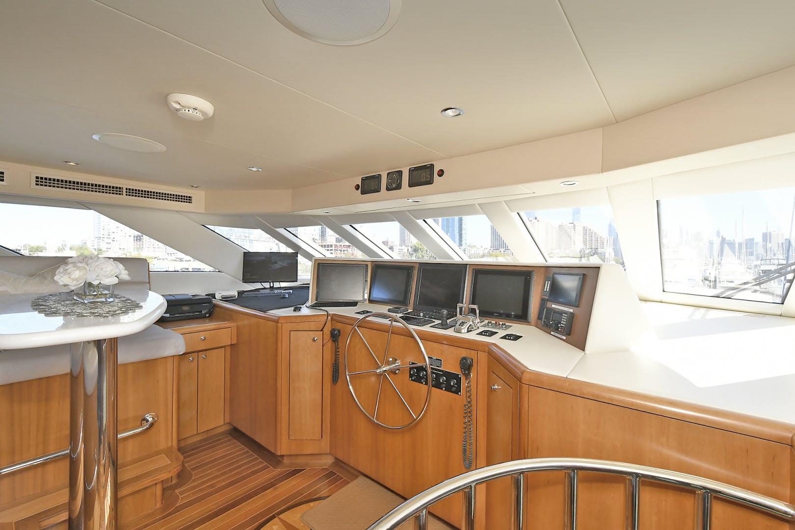 2005 Hatteras 100' 100 Motor Yacht Avanti | Picture 5 of 111