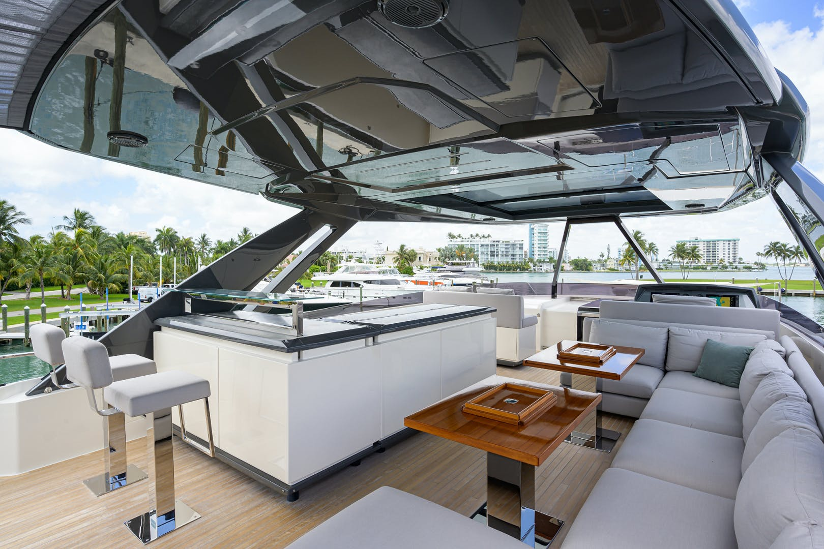 2018 Ferretti Yachts 92' 920 S | Picture 3 of 108