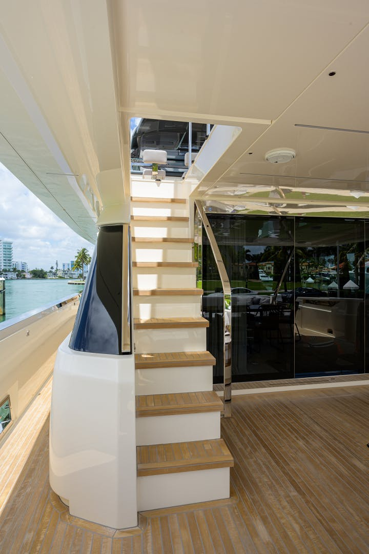 2018 Ferretti Yachts 92' 920 S | Picture 6 of 108