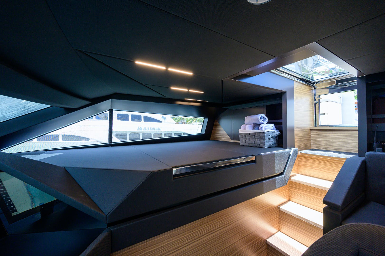 2018 Ferretti Yachts 92' 920 S | Picture 7 of 108