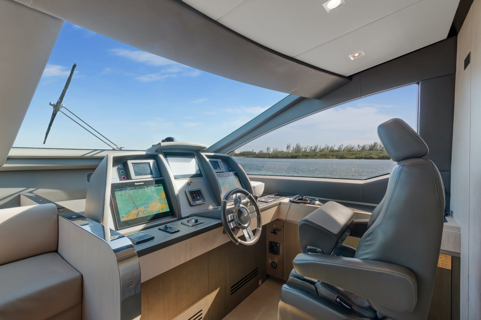 2016 Azimut 84' 84 Motor Yacht    Picture 7 of 83