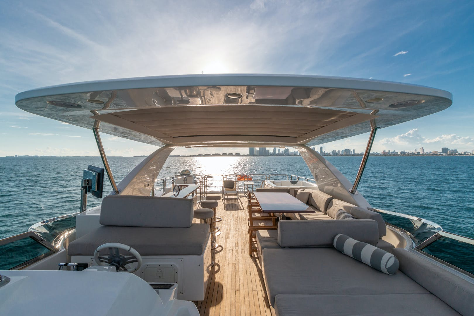 2016 Azimut 84' 84 Motor Yacht    Picture 8 of 83