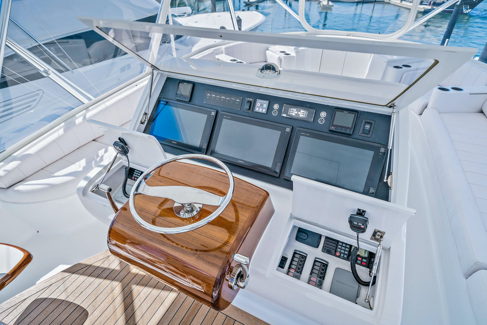 2016 Spencer 74' Convertible 74' Spencer | Picture 8 of 42