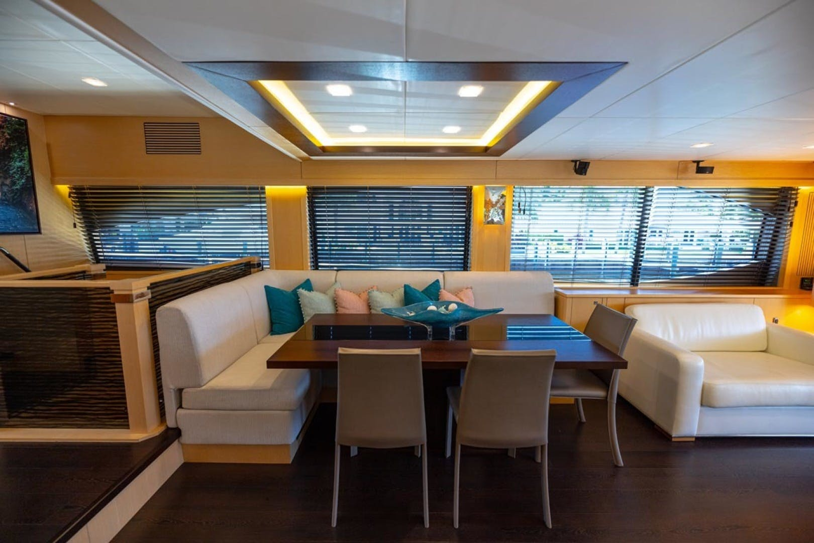 2014 Sunseeker 88' Motor Yacht Full Circle   Picture 5 of 47