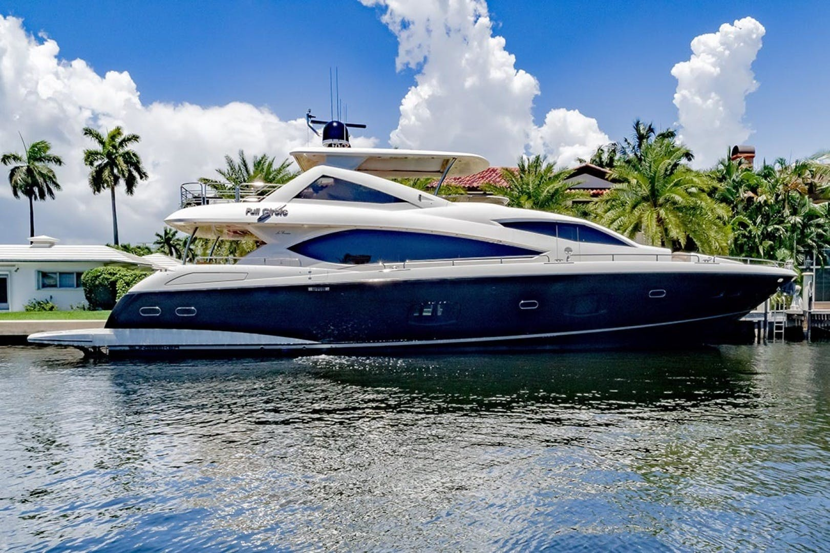 2014 Sunseeker 88' Motor Yacht Full Circle   Picture 2 of 47