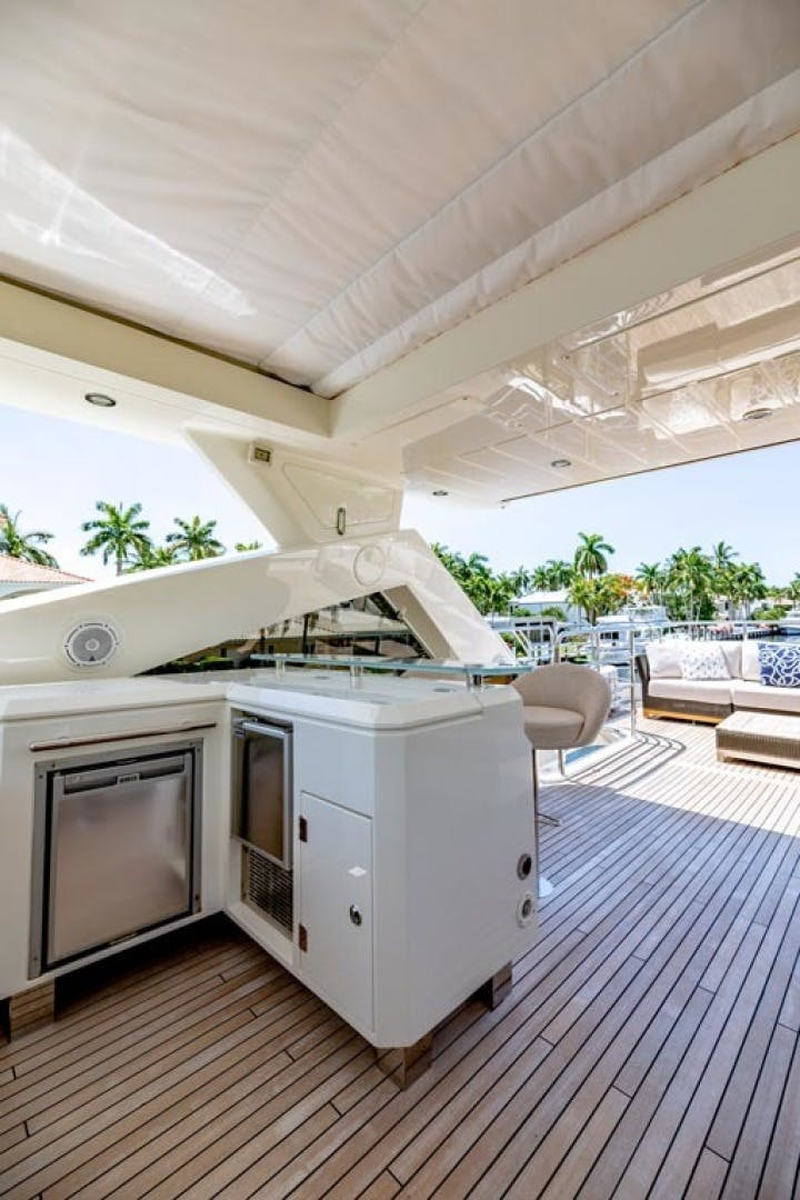 2014 Sunseeker 88' Motor Yacht Full Circle   Picture 4 of 47