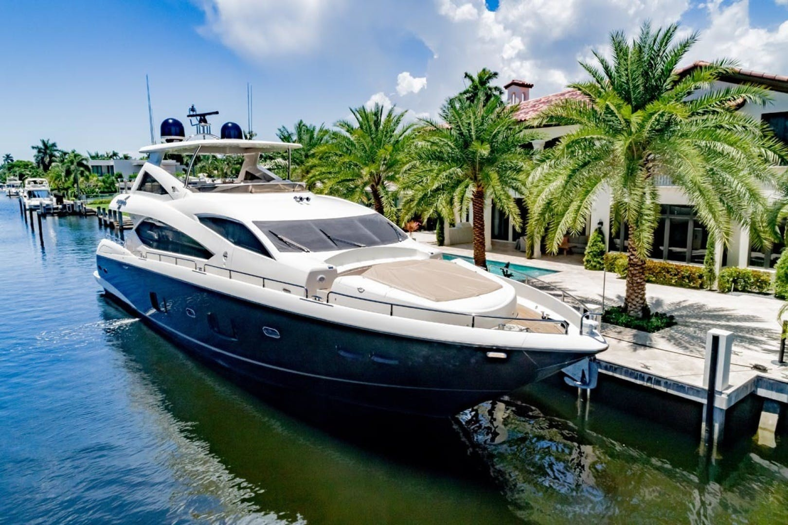 2014 Sunseeker 88' Motor Yacht Full Circle   Picture 3 of 47
