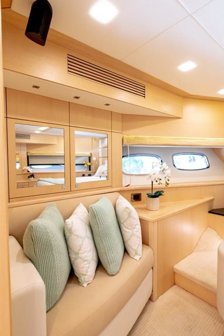 2014 Sunseeker 88' Motor Yacht Full Circle   Picture 6 of 47