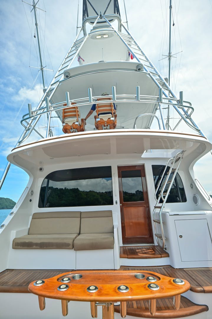 2012 Hatteras 63' 63 GT Fish Tank | Picture 3 of 110