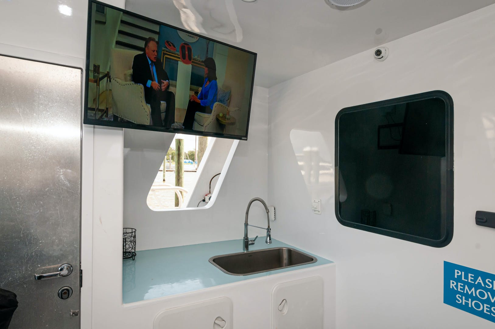 2016 Custom 106' 106 Houseboat Le Colby Jean | Picture 6 of 78