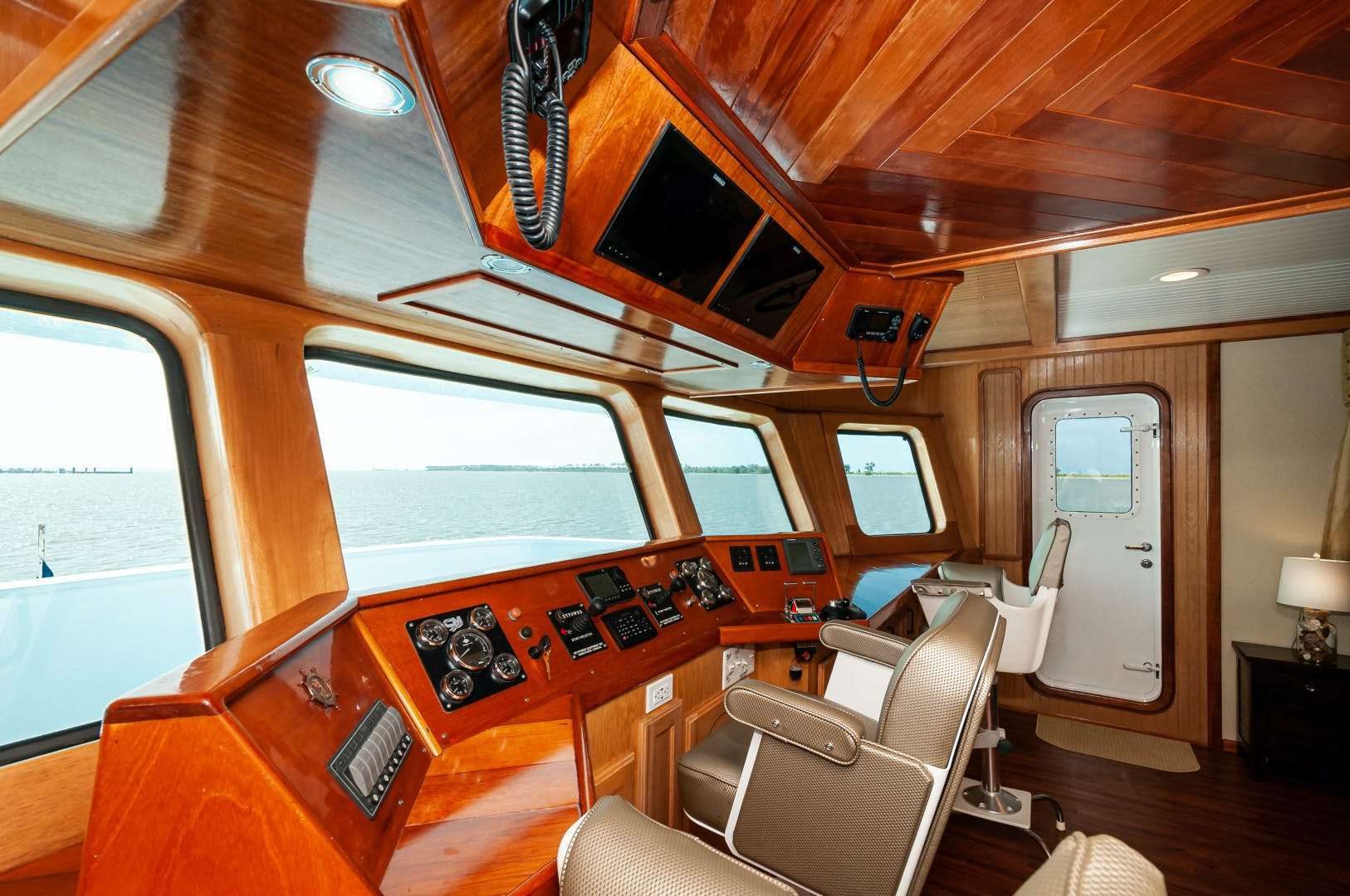 2016 Custom 106' 106 Houseboat Le Colby Jean | Picture 7 of 78