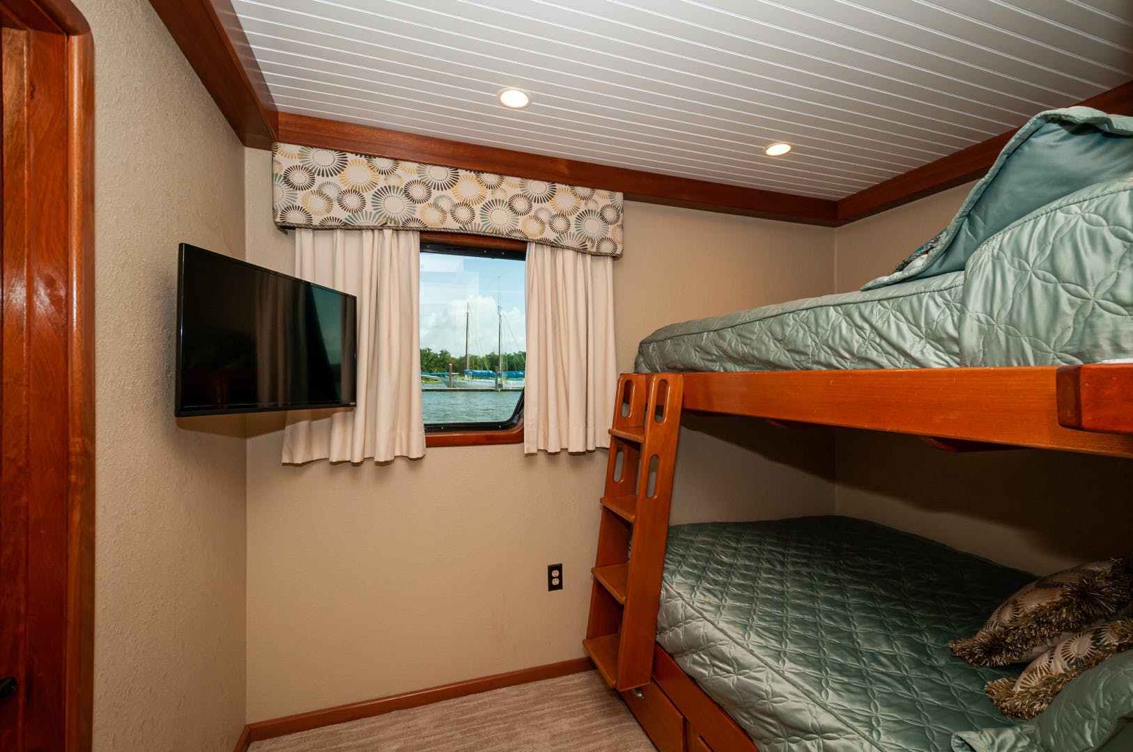 2016 Custom 106' 106 Houseboat Le Colby Jean | Picture 8 of 78