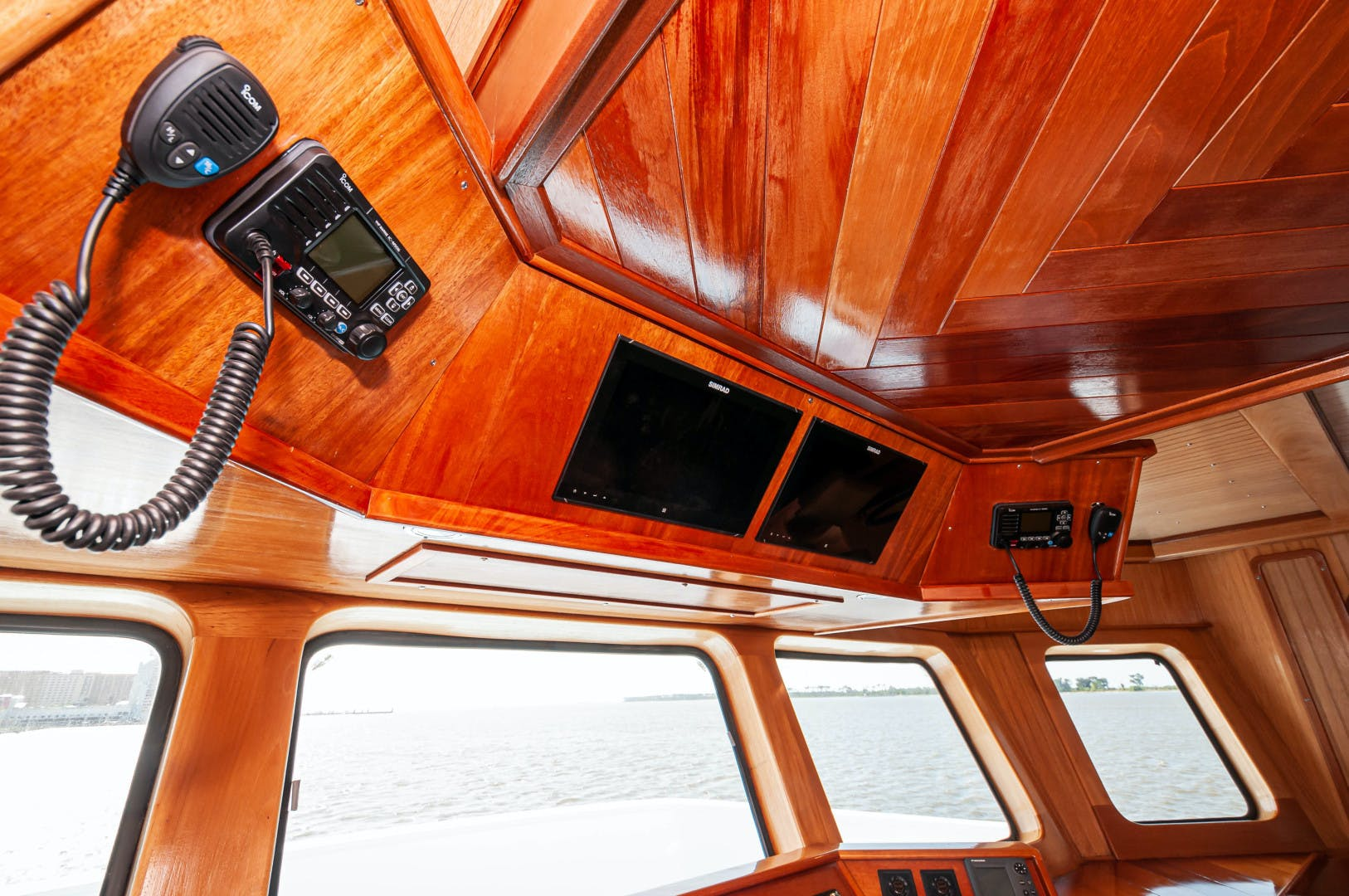 2016 Custom 106' 106 Houseboat Le Colby Jean | Picture 2 of 78