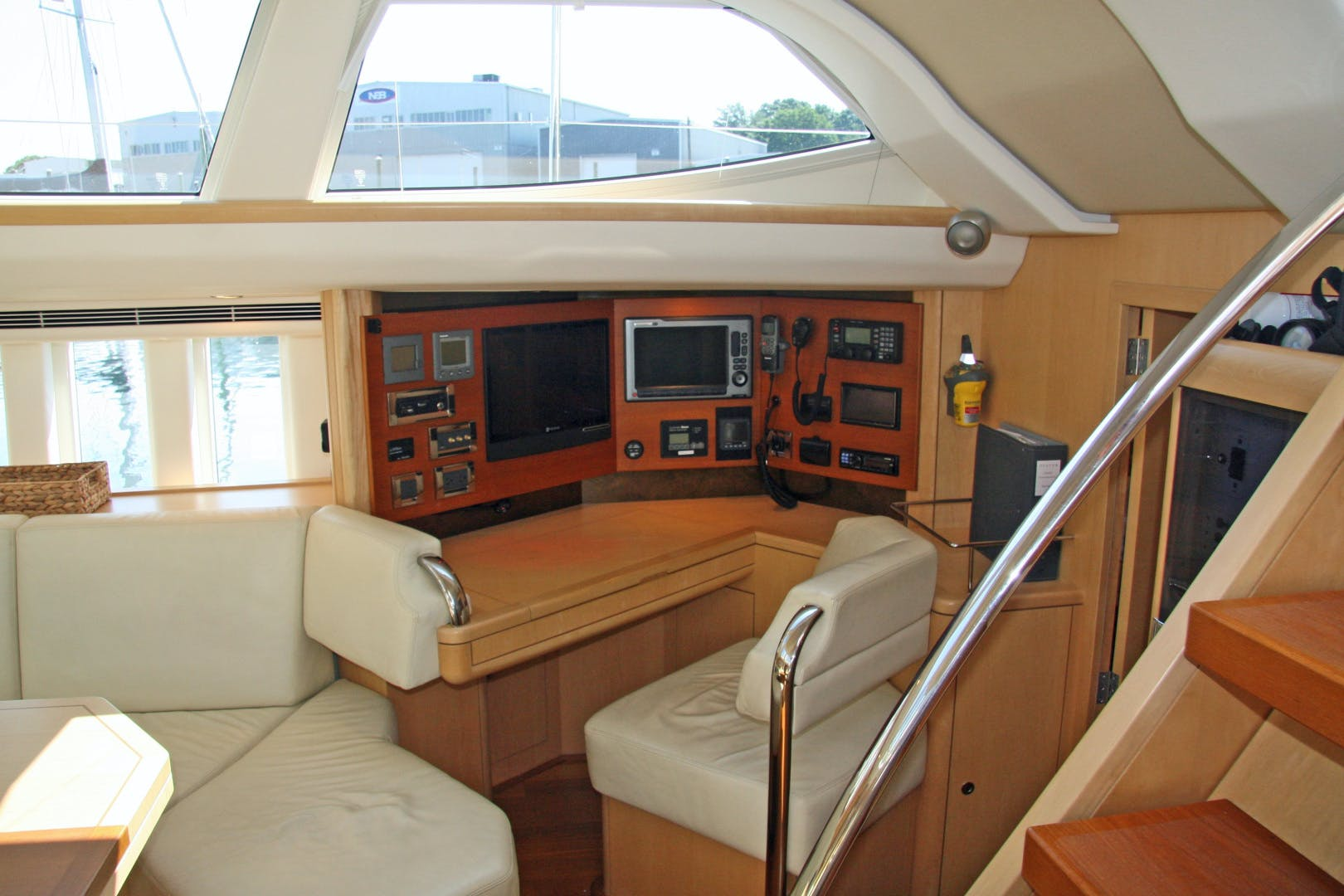 2011 Oyster 63' 625 Deck Saloon BANDIDO | Picture 7 of 38