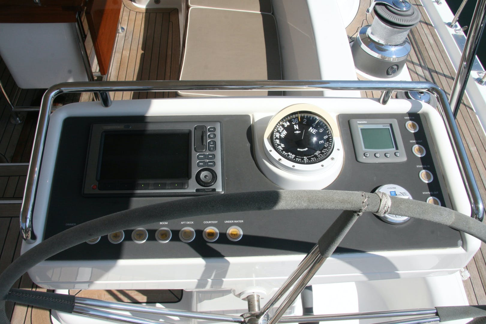 2011 Oyster 63' 625 Deck Saloon BANDIDO | Picture 3 of 38