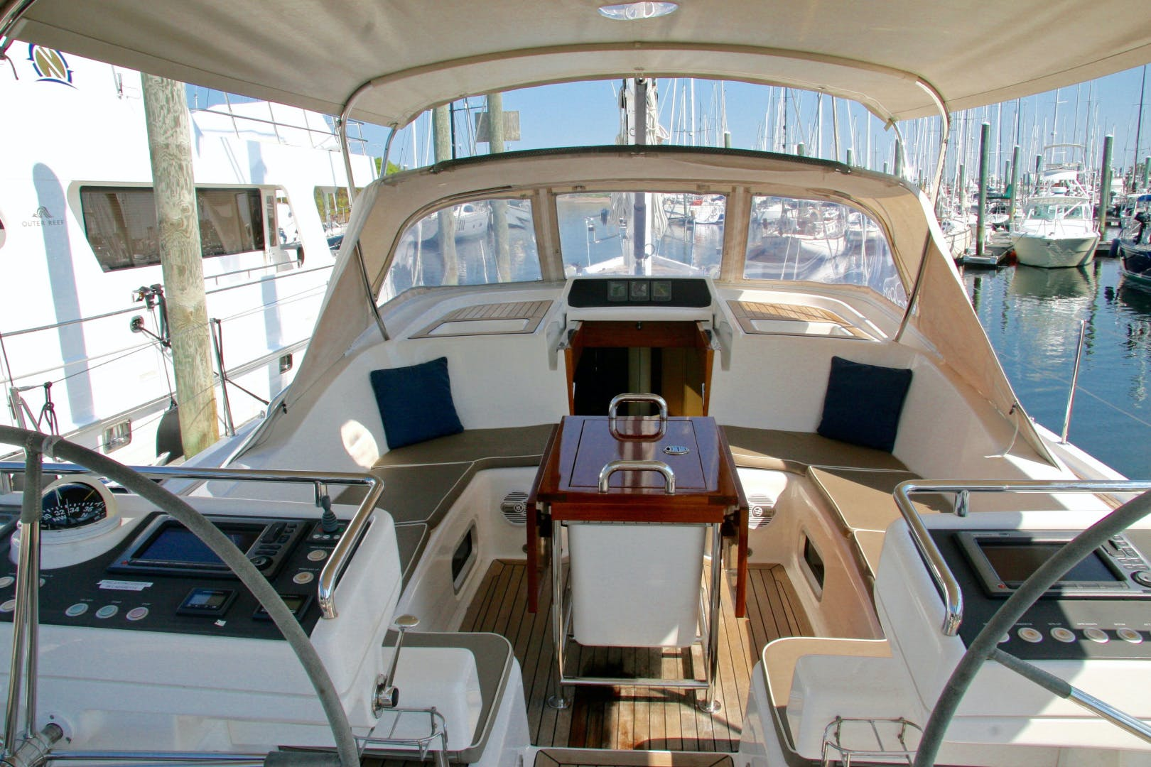 2011 Oyster 63' 625 Deck Saloon BANDIDO | Picture 1 of 38